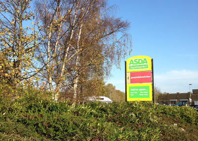 Tree cutting at Asda in Goole